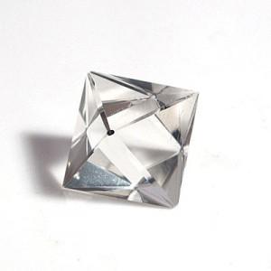 水晶8面体カット(czcu103-1)
